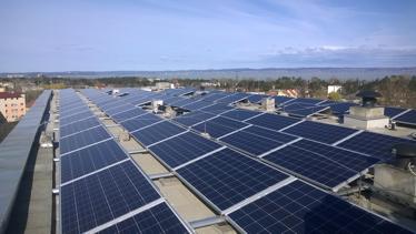 Megvalósult a naperőmű rendszer kiépítése a Siófoki Kórház-Rendelőintézetben